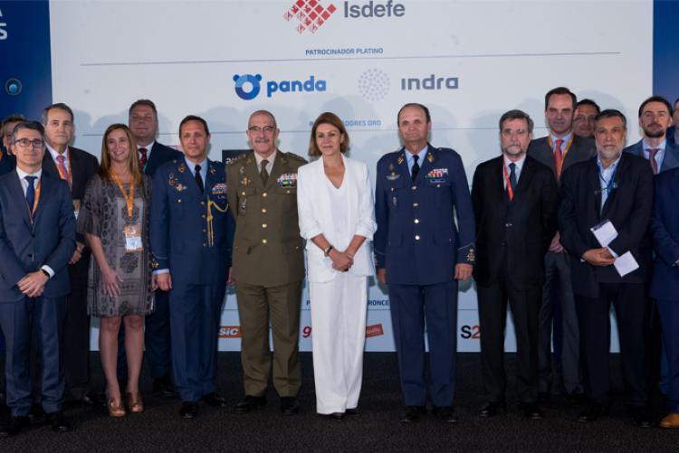 La Ministra de Defensa clausura las III Jornadas de Ciberdefensa del MCCD en las que ha colaborado Isdefe